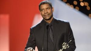 Denzel Washington recogiendo el Premio Donostia en el Festival de San Sebastián