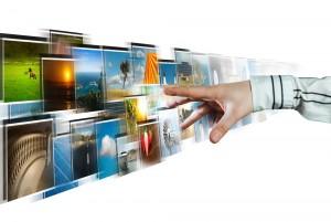 El streaming permite la posbilidad de disfrutar de contenidos audiovisuales en cualquier momento, lugar y dispositivo