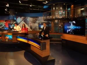 Un estudio de televisión preparado para la emisión