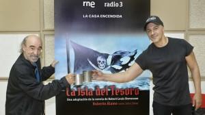 Roberto Álamo y Álex Angulo en la presentación de la ficción sonora La isla del tesoro
