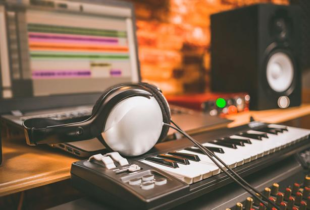 Fórmate com productor musical en CPA Online
